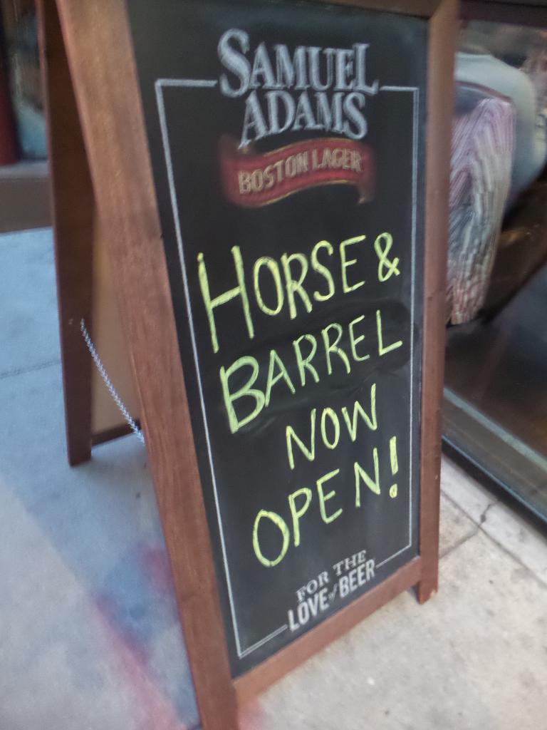 Horse & Barrel