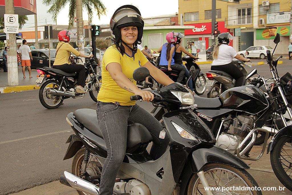 ENTREVISTA: Letícia e sua moto