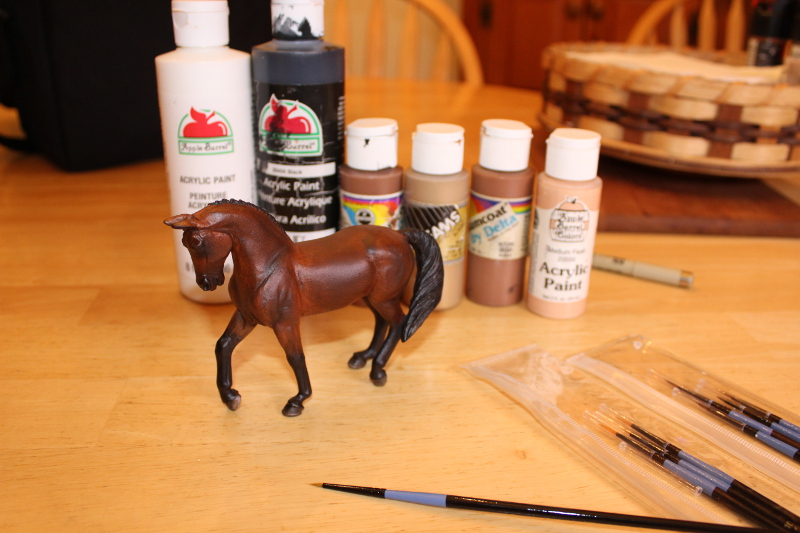 How to Paint Brown Horse Eyes in Acrylics 16347284812_ae1722b02f_o