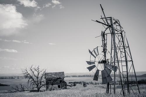 house abandoned windmill landscape mono us washington unitedstates roosevelt ghosttown goodnoehills