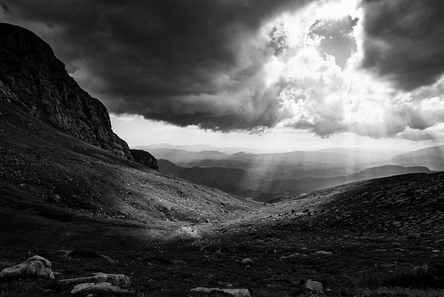 bw cloud mountain greek nikon skies greece filter nd 20mm christophe grad hoya d800 epirus zagori astraka tymfi christopheanagnostopoulos christopheanagnocom