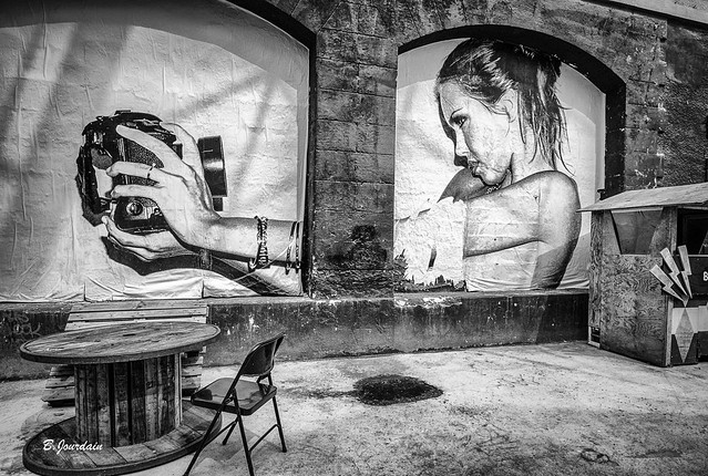 Bordeaux Street Art !!! Auto portrait !!! Leica M8