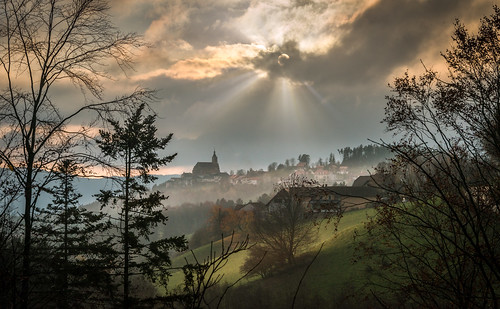 november autumn light sunset sky sun mist mountain fall weather silhouette backlight clouds landscape austria österreich haze nikon scenery nebel outdoor sunrays autumnal steiermark styria d800 herbststimmung autumnmood lichtstimmung pöllauberg