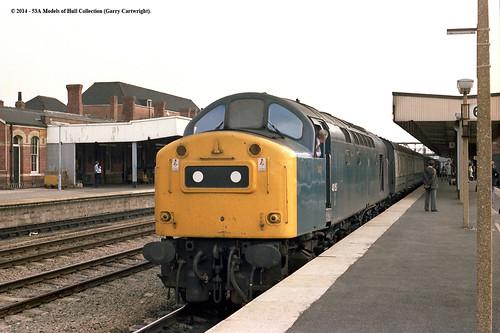 train diesel railway parcels britishrail doncaster southyorkshire class40 40157