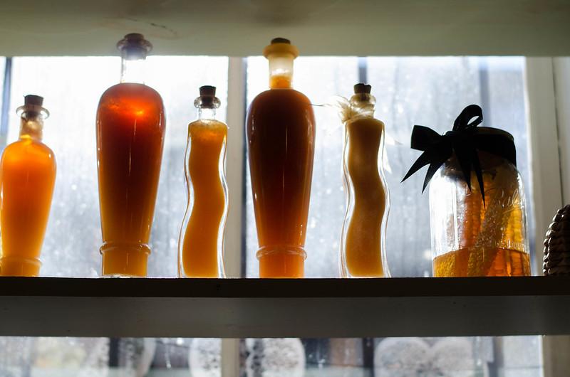 Follow The Honey on juliettelaura.blogspot.com