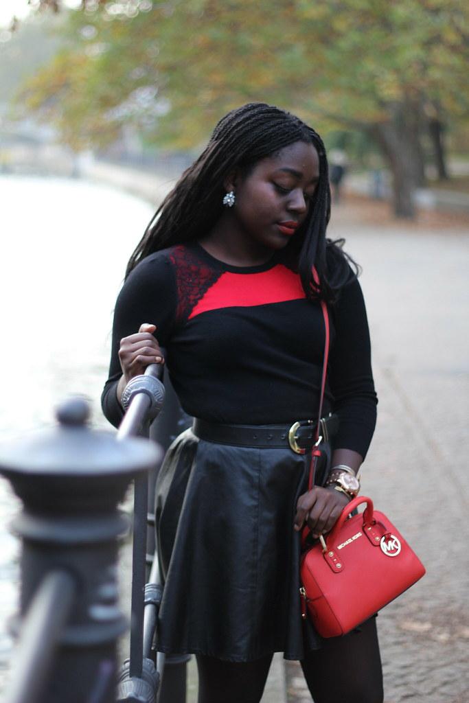 Lois Opoku fall fashion lisforlois michael kors mini bag