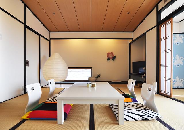 Suuri Taiga by Fujiwo Ishimoto at Hotel Chaharu