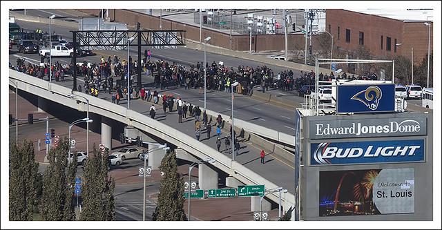 Protesters Close I 70 2014-11-25 2