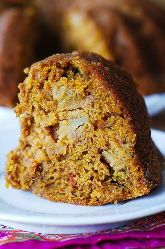 bundt cake recipes, spice cake, holiday cake, Thanksgiving cake, Christmas cake, festive cakes