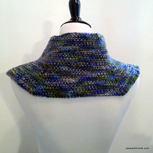 Jessie-At-Home-Moonstruck-Knit-Cowl-Free-Pattern