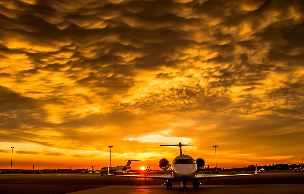 Bizjet apron at Schiphol oost during sunset