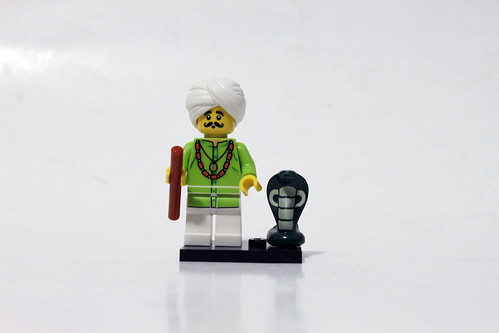 LEGO Collectible Minifigures Series 13 (71008) - Snake Charmer