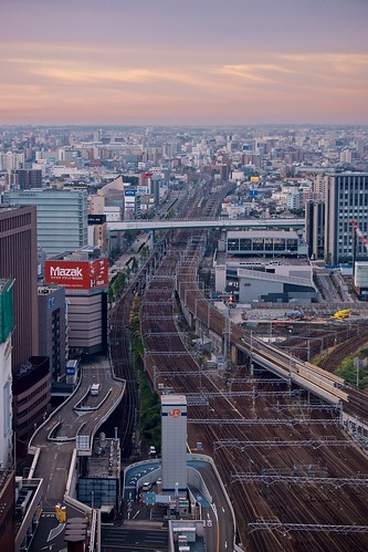 building japan skyscraper sunrise cityscape sony traintracks nagoya 日本 名古屋 ビル 日の出 線路 朝焼け 高層ビル apsc sel55210 e55210mmf4563oss ©jakejung