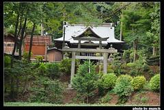 走出森林後看見的天滿神社。圖片來源:munch