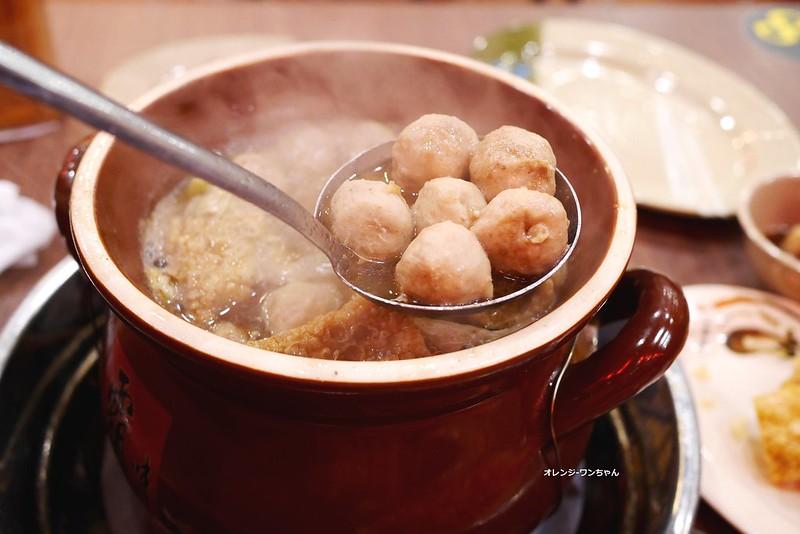15443073884 b364c5b6f3 c - 霸味羊肉爐│西屯區:冬季家庭聚餐宵夜溫補平價划算好選擇~薑母鴨湯與羊肉爐的絕妙組合~只是湯頭不要這麼油嚕嚕的好