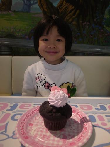 來吃個粉紅巧克力蛋糕吧 R0026899