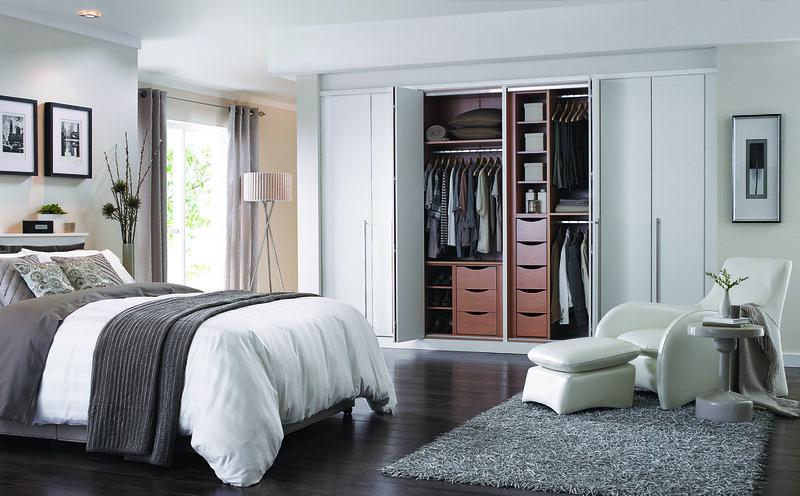 Cassia Bi-Fold White - wardrobe interior