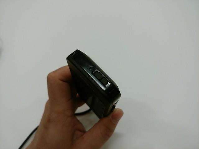 本体上部の電源ボタンを長スライド
