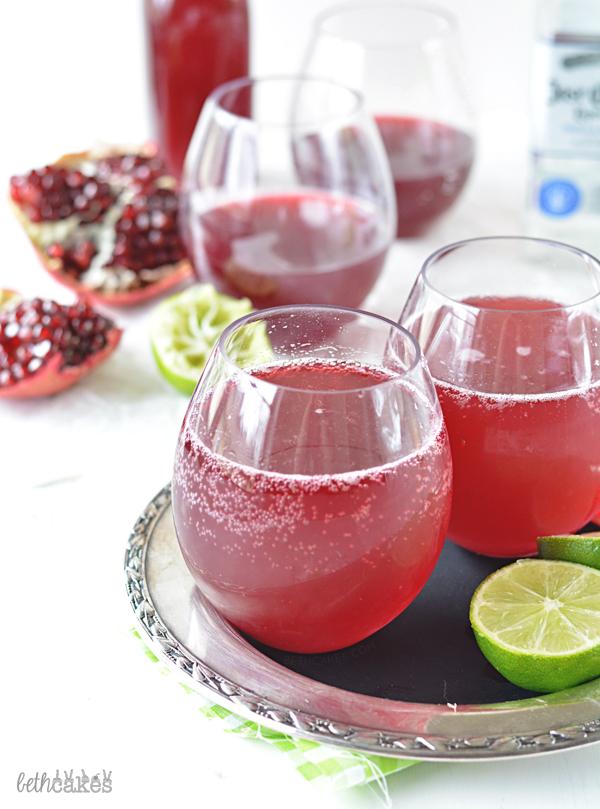 Sparkling Pomegranate Margaritas! bethcakes.com