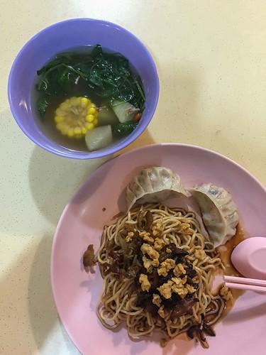 eastern_vegetarian_vegetarian_noodles