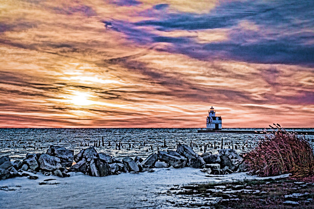 Lighthouse, Colorful, Sunrise, Lake Michigan, Kewaunee, WI, Wisconsin, Rocks