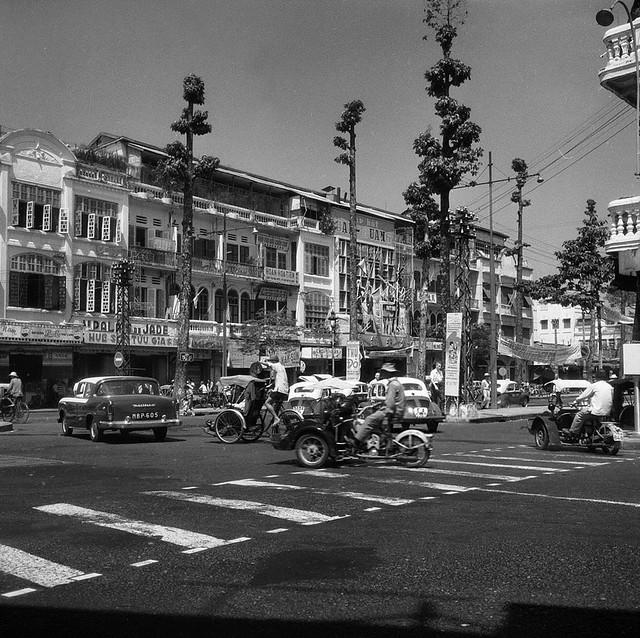 CHOLON 1961 - Ngã tư Đồng Khánh-Tổng Đốc Phương