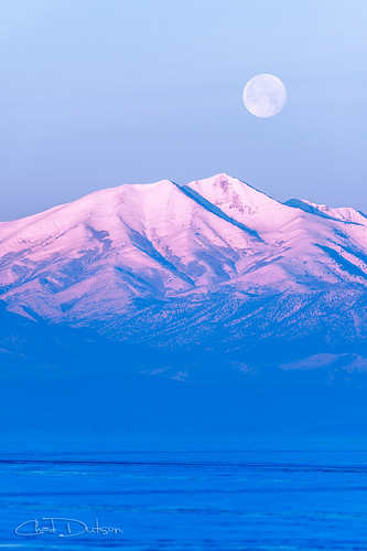 winter light moon mountain lake snow mountains southwest west ice nature sunrise landscape rockies dawn frozen utah twilight glow rocky fullmoon wilderness moonset americanwest alpenglow utahlake americansouthwest morningsunrise morningmoon chaddutson
