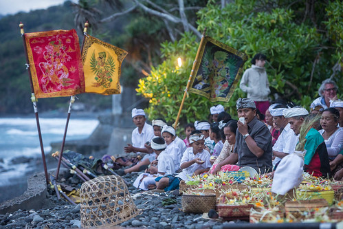 sunset bali temple seaside village colourful hindu offerings waterpalace beachceremony amlapura eastbali templeceremony tengenan alilamanggishotel tirtaganggawaterpalace tamanujungwaterpalace puriagungkarangasempalace