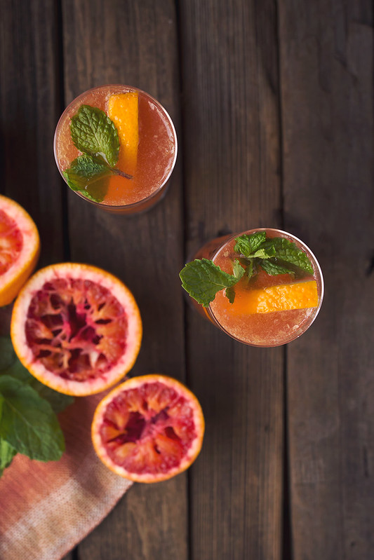 Blood Orange Bourbon Sparkler // www.tasty-yummies.com // @tastyyummies