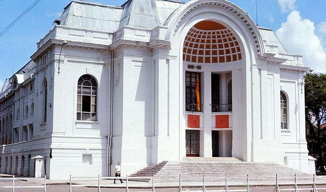 SAIGON Oct 1966 - Quốc Hội - Photo by Jim Burns