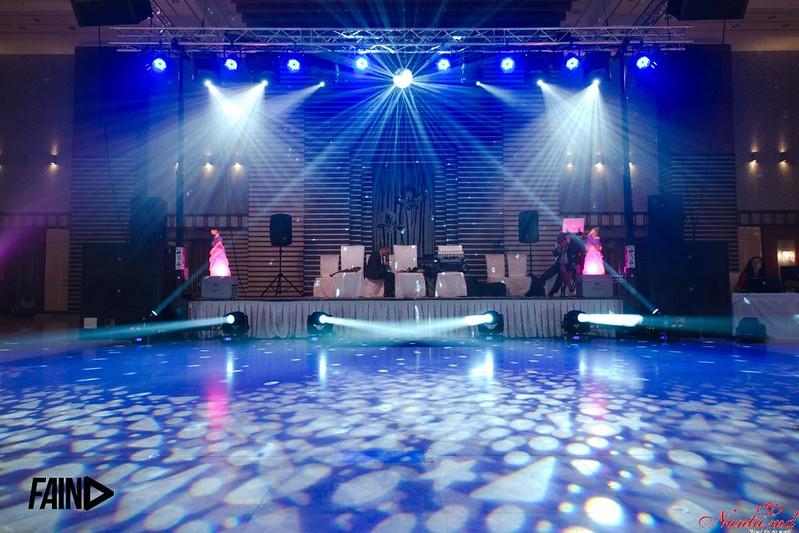 Lumini, Sunet, DJ, Efecte speciale, Ecran LED, Videoproiecție, Fum greu... > Foto din galeria `Lumini, Sonorizare, Efecte, Videoproiectie...`