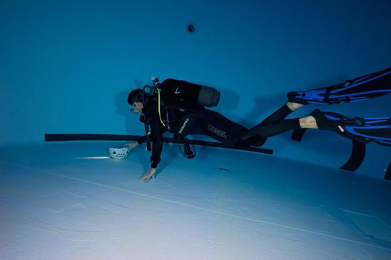 Indoor Diving avec le 15 mm Nikonos 15581936609_d24454ba39_c