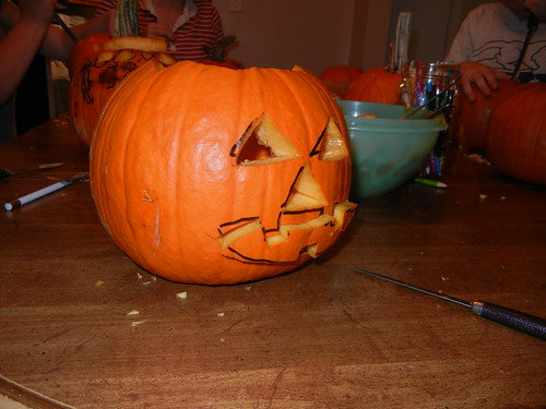 Oct 17 2014 Doller pumpkin carving (15)