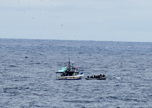 USS Vandegrift-Coast Guard team Uncovers Illegal Cocaine Concealed in Fishing Vessel
