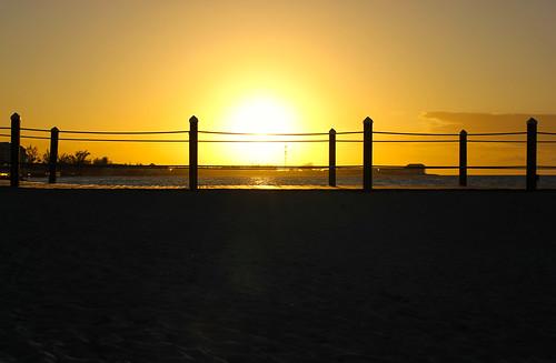 winter sky sun gold soleil shadows or hiver ciel bahamas nassau goldenhour 2012 ombres doré sandalsroyalbahamian