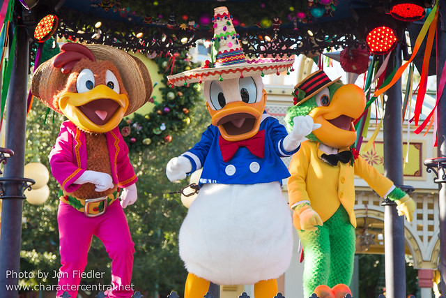 DL Jan 2015 - Disney ¡Viva Navidad! Street Party