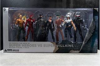 【玩具人胖胖投稿】DC Collectibles New 52 反派七人包系列和紐約街頭場景