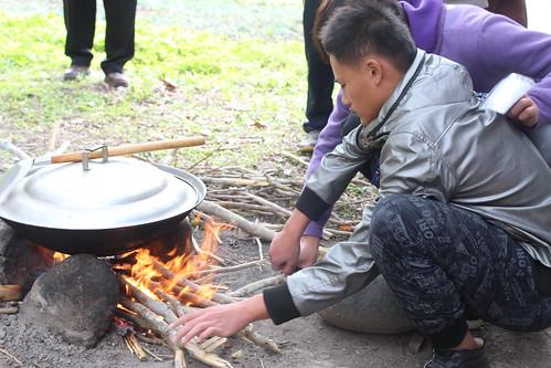 Pakalongay們必須學會野外升火。