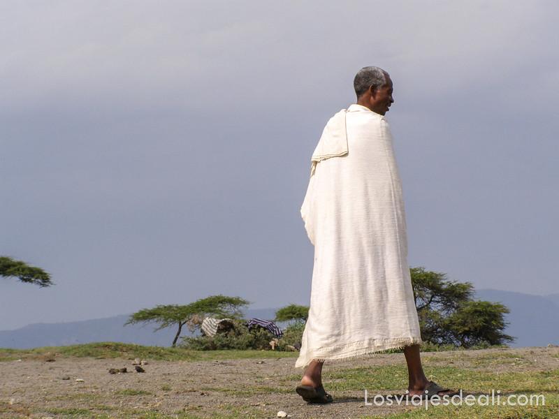 lagos de etiopia hombre en el lago Shala