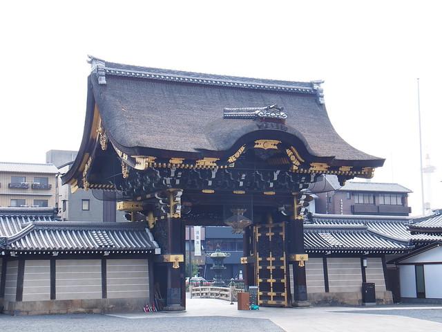 西本願寺-御影堂門