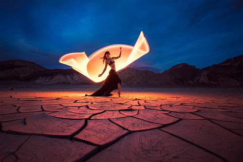 Dancing with light por Eric Paré
