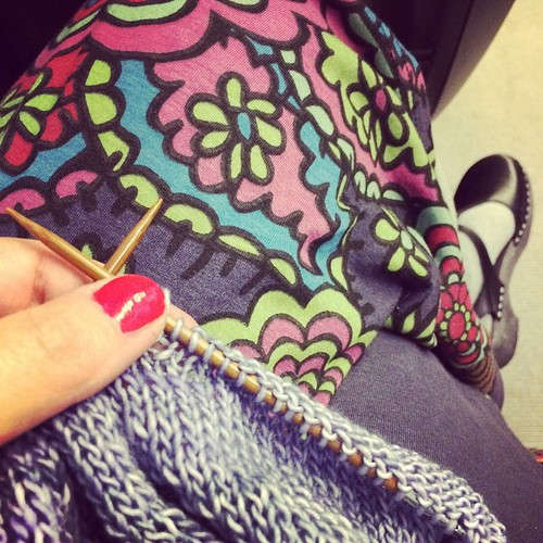 Knitting on the train on the way back home:) Lavorando a maglia sul treno sulla via di casa:)