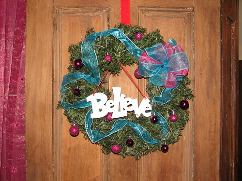 twins' door wreath