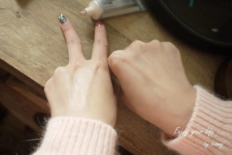 水漾晶亮飾底乳 <br><br>(12)