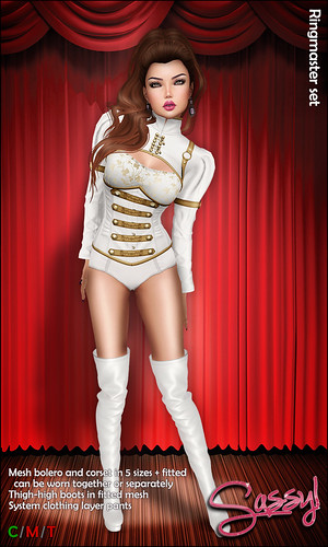 Ringmaster set in white