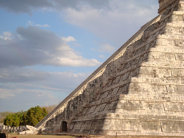 Piramide de Kukulkan en Chichén Itza, dioses instructores de mexico