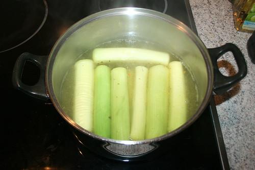 18 - Lauchstangen kochen / Cook leek