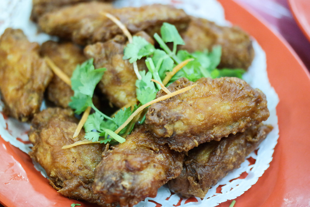 Ultimate Upper Thomson Food Guide: Ban Leong Wah Hoe Seafood: prawn paste chicken