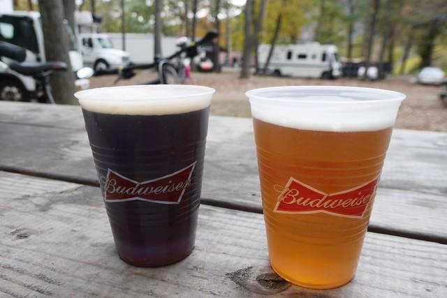 日, 2014-10-26 15:52 - Dunkel(左)、Oktoberfest(右)