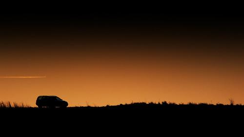uk england car silhouette plane volvo northamptonshire jet trail vapour vapor aldwincle